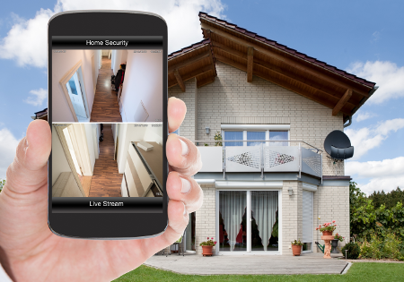 smartphone-view-live-video-surveillance-residential